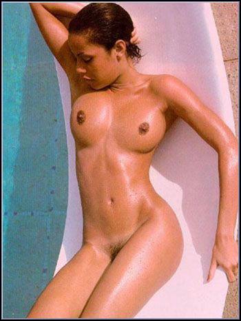 Nude skinny gut girl